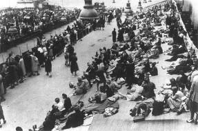 le-vel-d_hiv-rempli-de-juifs-en-juillet-1942-c2ab-prc3aats-c2bb-c3a0-c3aatre-dc3a9portc3a9s